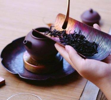 schwarzer Tee als Hausmittel gegen Mundgeruch